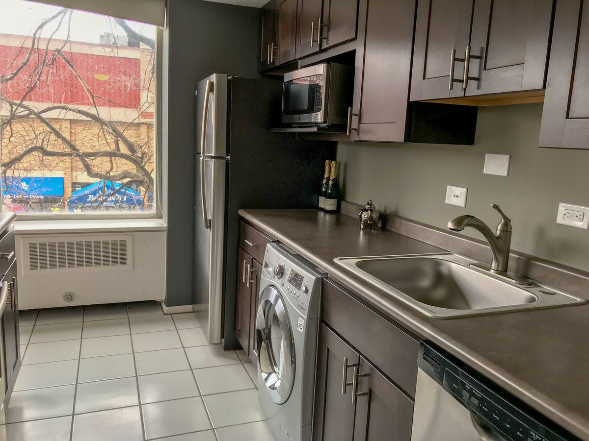 Juneau Village Towers Rent Specials Apartments Milwaukee Wi