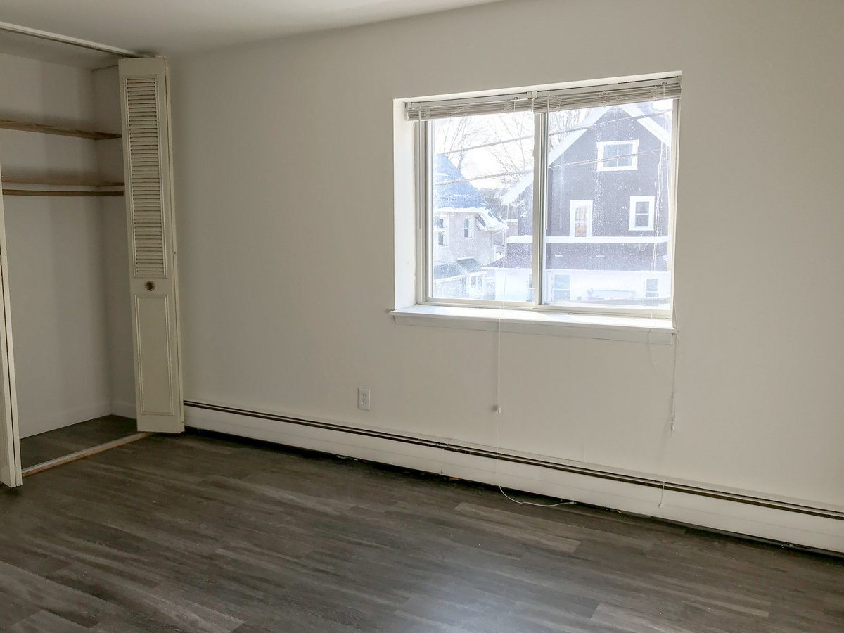 3069 N Oakland Avenue Milwaukee Wi Apartment For Rent