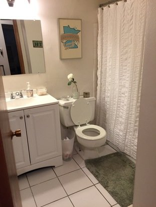2 Bedrooms 1 Bathroom Apartment for rent at The Brittany House in Milwaukee, WI
