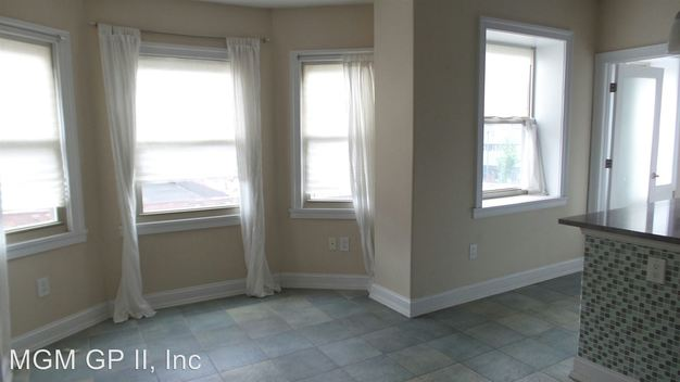 1 Bedroom 1 Bathroom Apartment for rent at 425 427 S. Broad Street in Philadelphia, PA
