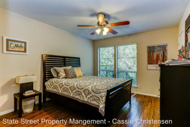 1 Bedroom 1 Bathroom Apartment for rent at 1717 Enfield Rd in Austin, TX