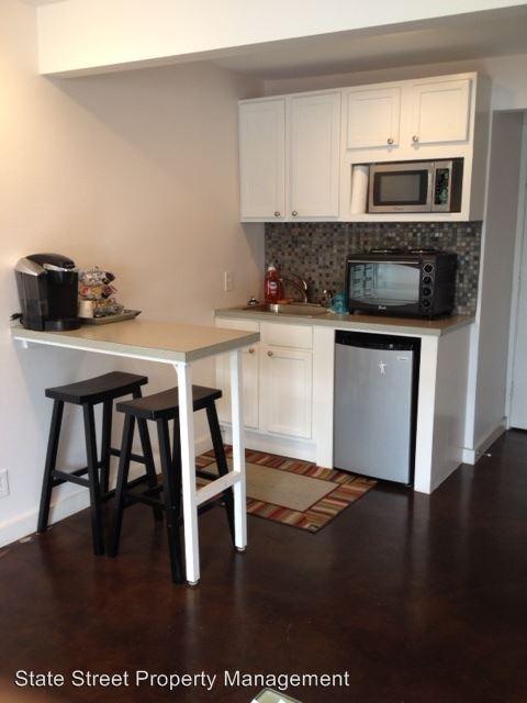 Studio 1 Bathroom Apartment for rent at 300 E 30th St in Austin, TX