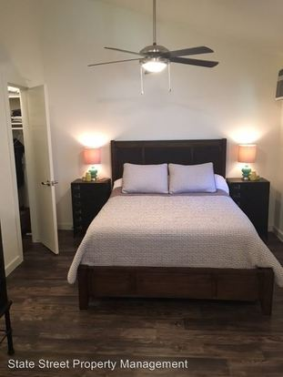 Studio 1 Bathroom Apartment for rent at 1131 Hollow Creek in Austin, TX