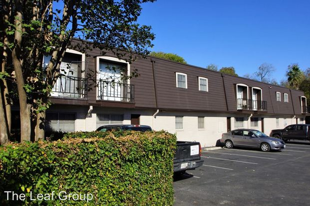 2 Bedrooms 2 Bathrooms Apartment for rent at 4411 Airport Blvd in Austin, TX