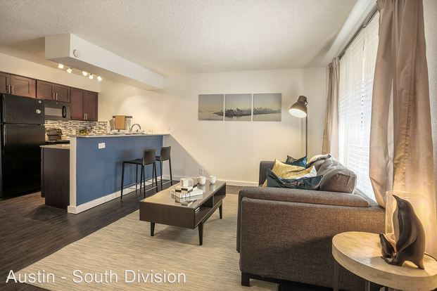 1 Bedroom 1 Bathroom Apartment for rent at 2323 Town Lake Circle in Austin, TX