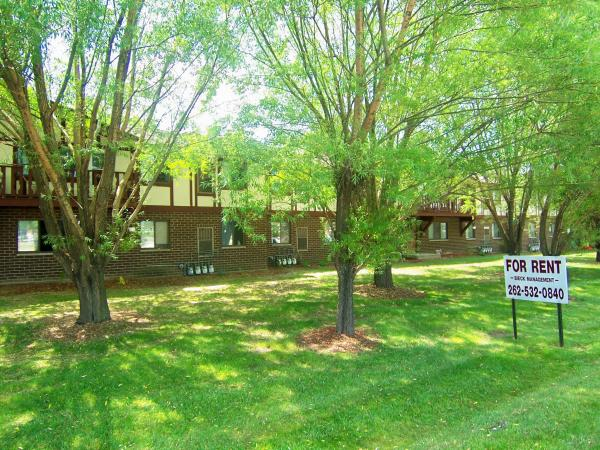 2 Bedrooms 1 Bathroom Apartment for rent at Vienna Court Apartments in Germantown, WI
