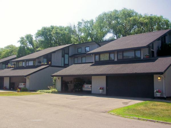 2 Bedrooms 1 Bathroom Apartment for rent at Apple Orchard Apartments in Mequon, WI
