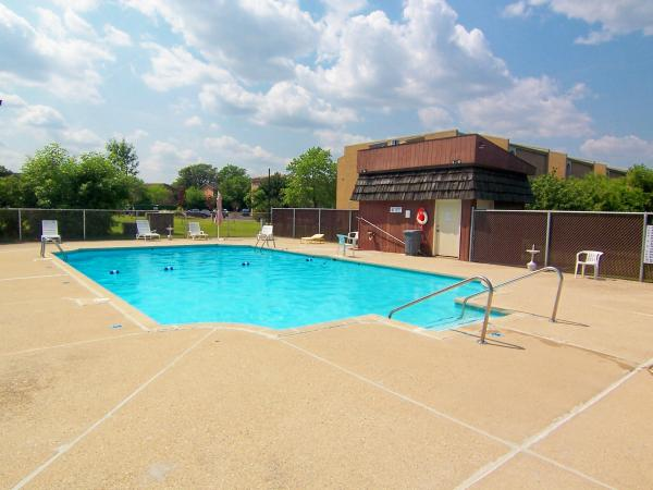 2 Bedrooms 1 Bathroom Apartment for rent at Layton Village Apartments in Milwaukee, WI