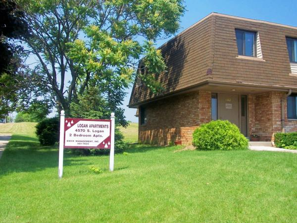 2 Bedrooms 1 Bathroom Apartment for rent at Logan Apartments in Milwaukee, WI