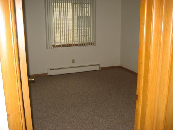 1 Bedroom 1 Bathroom Apartment for rent at Disch Apartments in Cudahy, WI