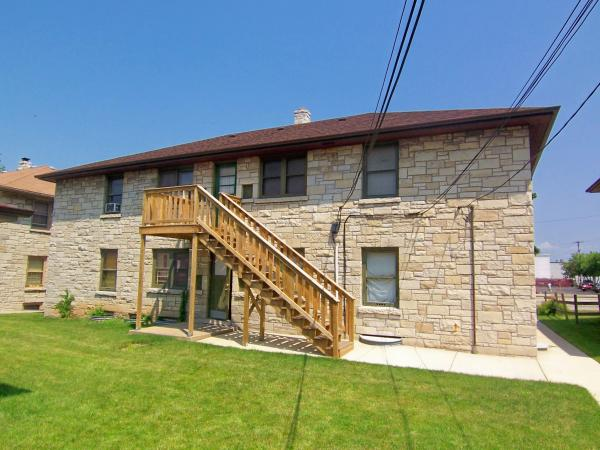 1 Bedroom 1 Bathroom Apartment for rent at 2915 W Capitol Dr in Milwaukee, WI