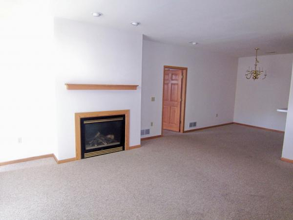 2 Bedrooms 2 Bathrooms Apartment for rent at Sherwood Manor in Pewaukee, WI