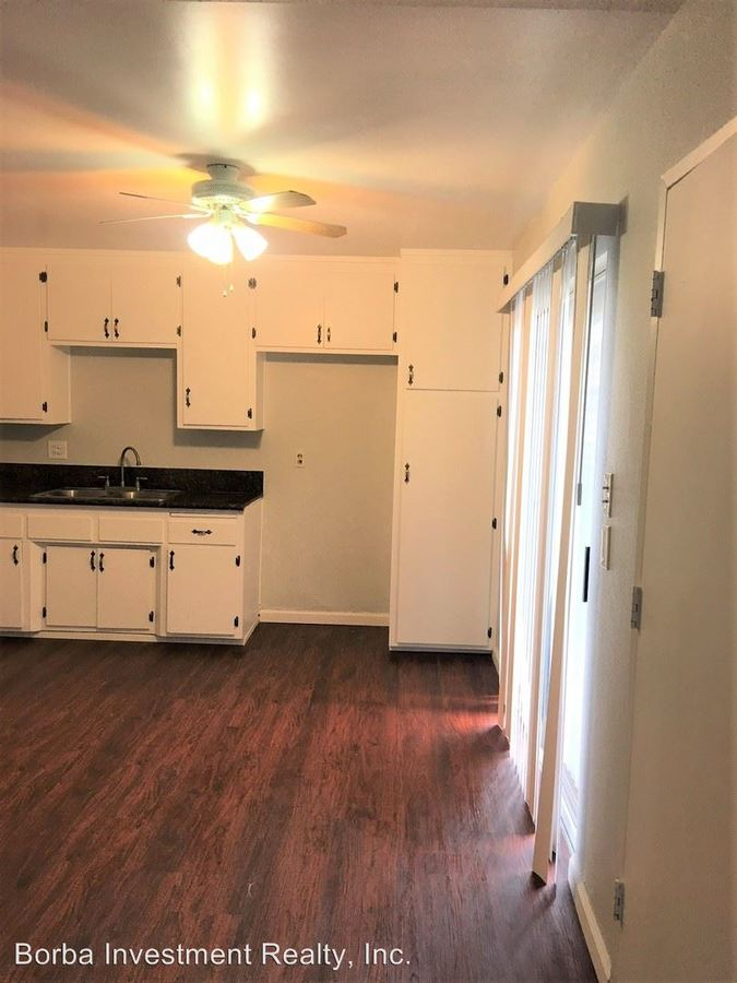 3 Bedrooms 1 Bathroom Apartment for rent at 9707 Cedar Street in Bellflower, CA