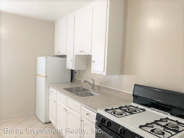Studio 1 Bathroom Apartment for rent at 445 W 15th Street in Long Beach, CA