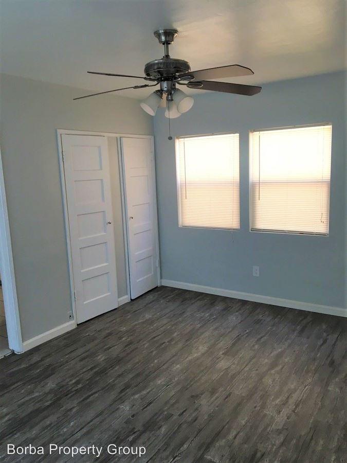 Studio 1 Bathroom Apartment for rent at 904 Atlantic Ave in Long Beach, CA