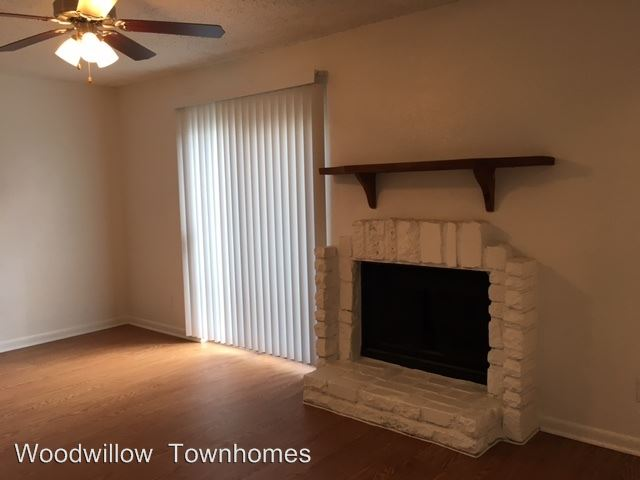2 Bedrooms 3 Bathrooms Apartment for rent at 3601 Willow Springs Road in Austin, TX