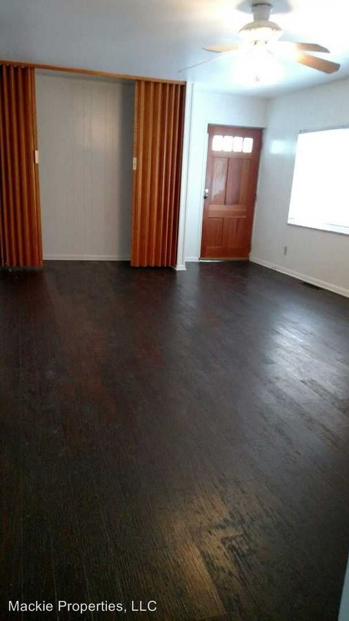 3 Bedrooms 1 Bathroom Apartment for rent at 339 South Lincoln Street in Bloomington, IN