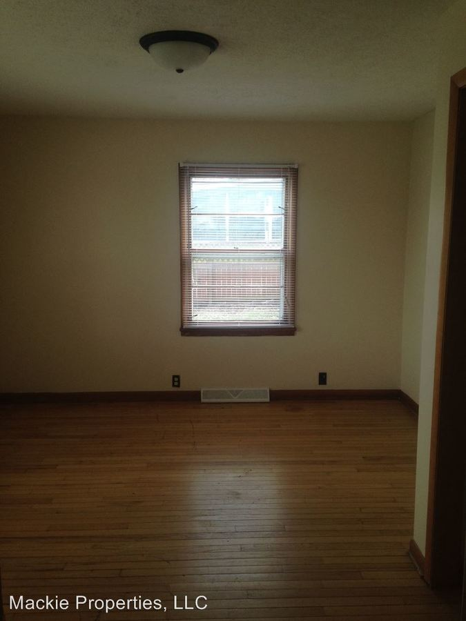 5 Bedrooms 2 Bathrooms Apartment for rent at Cedar Grove Townhomes in Bloomington, IN