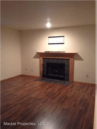 3 Bedrooms 2 Bathrooms Apartment for rent at Cedar Grove Townhomes in Bloomington, IN