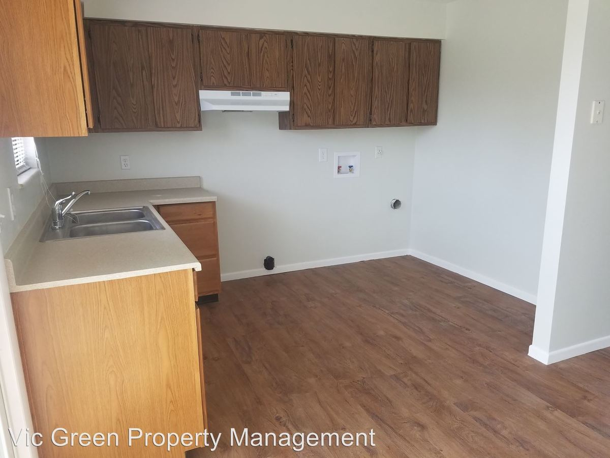 Studio 1 Bathroom Apartment for rent at 4500 Waynedale Circle in Dayton, OH