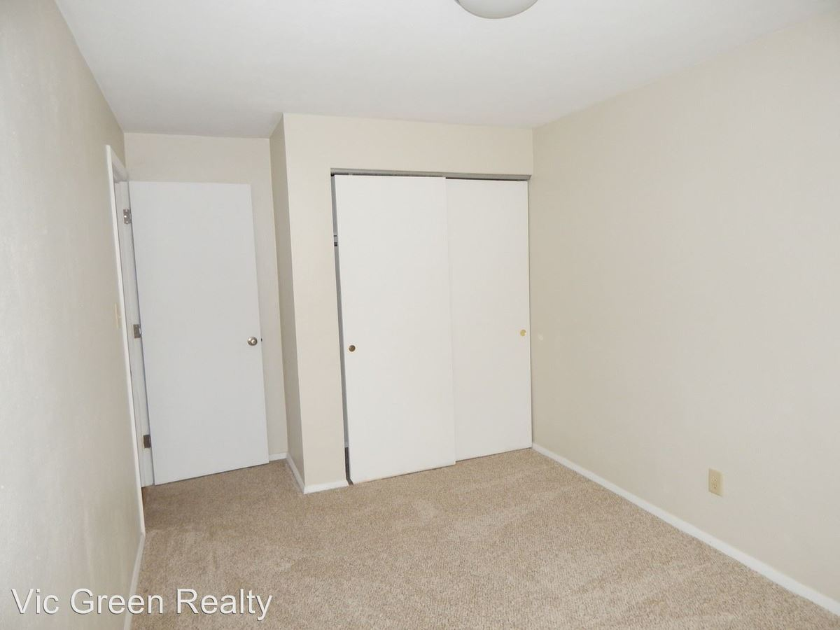 2 Bedrooms 1 Bathroom Apartment for rent at 1001 Pearl St in Miamisburg, OH
