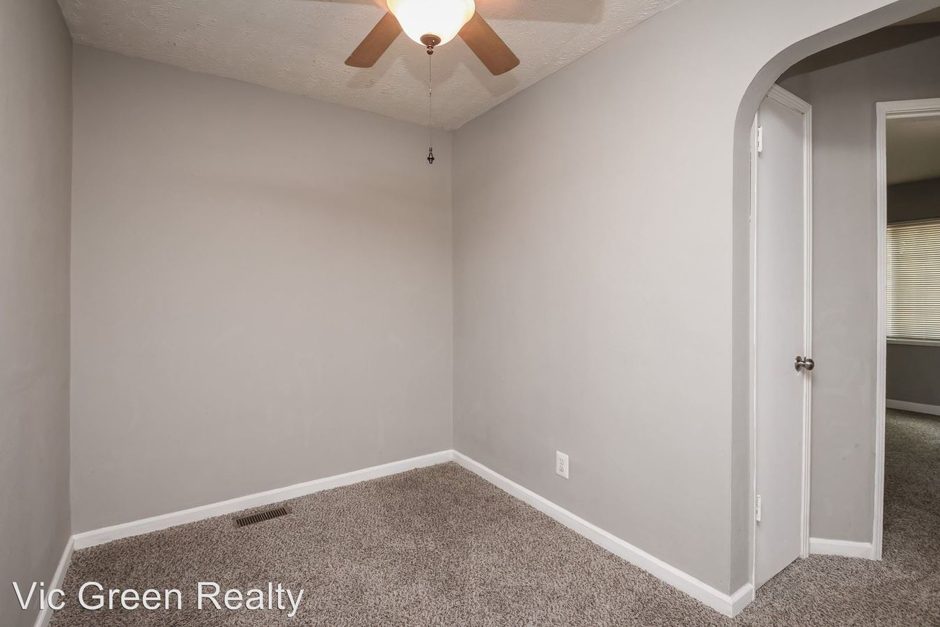 2 Bedrooms 1 Bathroom Apartment for rent at 523 Hadley Ave in Kettering, OH