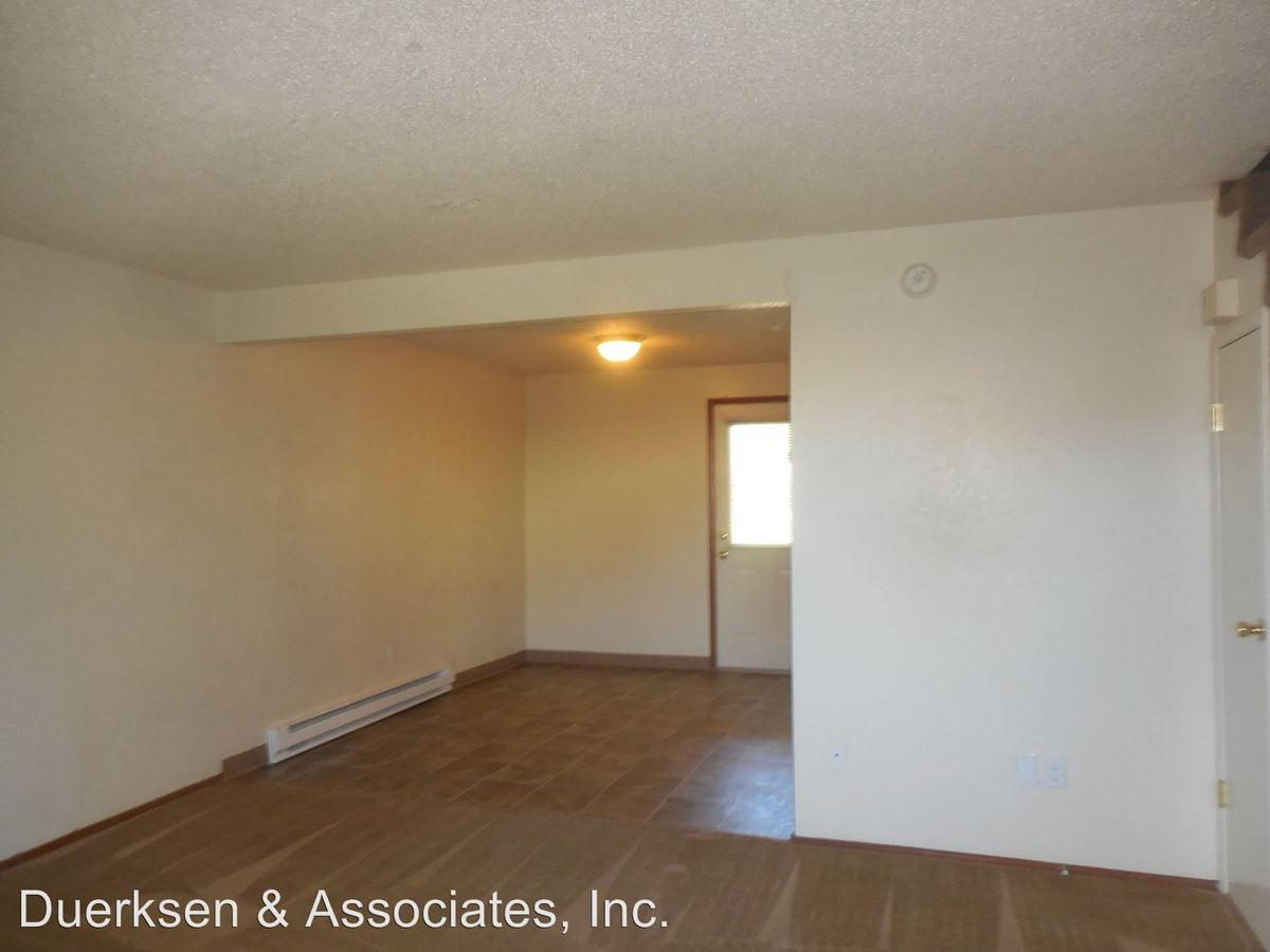 2 Bedrooms 1 Bathroom Apartment for rent at Lageraldea Manor 115 20th #1-6, 2021 Applegate #1-8 & 2014 Main #1-6 in Philomath, OR