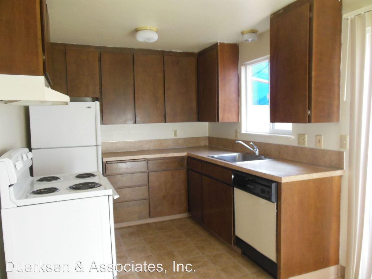 2 Bedrooms 1 Bathroom Apartment for rent at 120-124 Ne Conifer in Corvallis, OR
