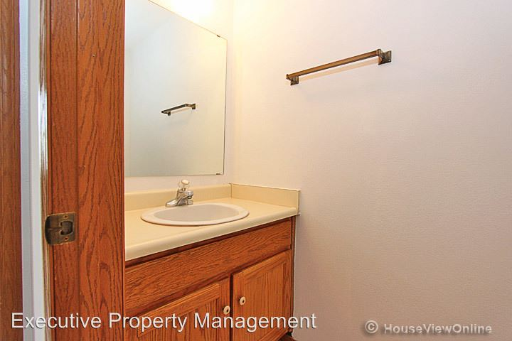 2 Bedrooms 2 Bathrooms Apartment for rent at 1413 Brookshire in Cape Girardeau, MO