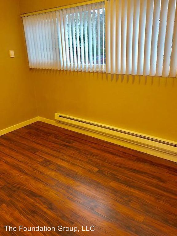 1 Bedroom 1 Bathroom Apartment for rent at 610 2nd Ave West in Seattle, WA