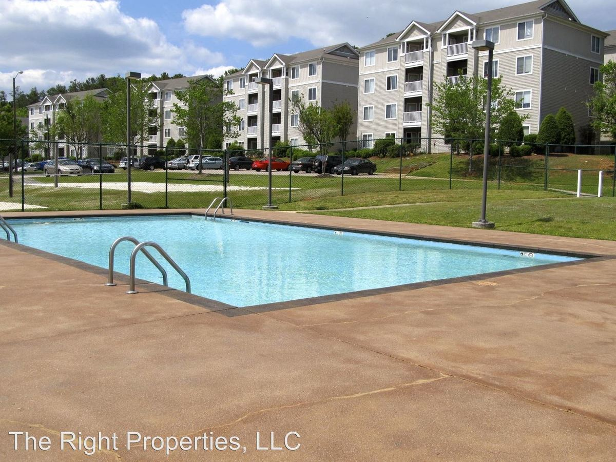1 Bedroom 1 Bathroom Apartment for rent at 1420 Collegiate #101 in Raleigh, NC