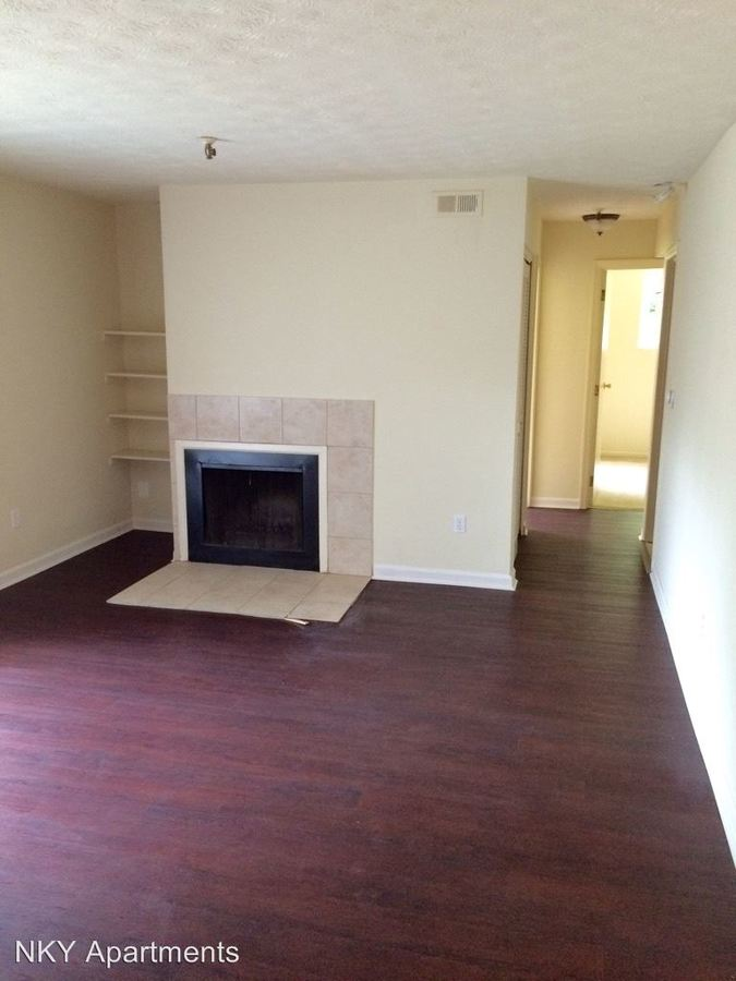 2 Bedrooms 1 Bathroom Apartment for rent at 1002 Parkvale Court in Park Hills, KY