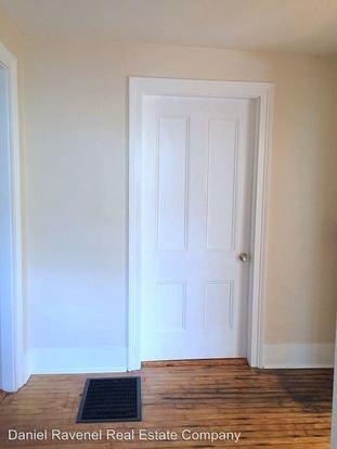 2 Bedrooms 1 Bathroom Apartment for rent at 35 Vanderhorst Street in Charleston, SC