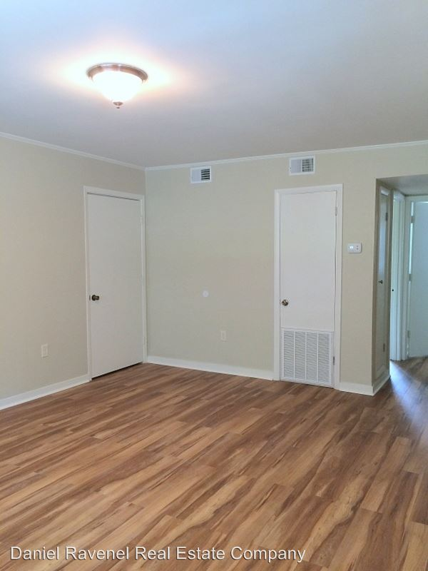 2 Bedrooms 1 Bathroom Apartment for rent at 45 Aiken Street in Charleston, SC