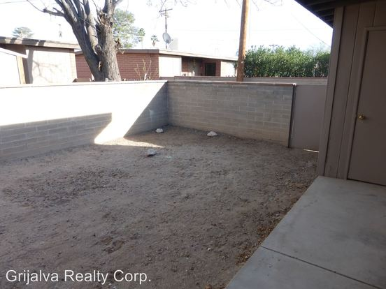 2 Bedrooms 1 Bathroom Apartment for rent at 1302 S. Sahuara Ave in Tucson, AZ