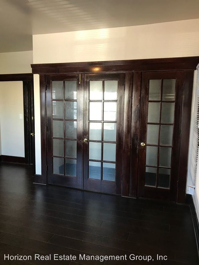 Studio 1 Bathroom Apartment for rent at 430 Pacific Avenue in Long Beach, CA