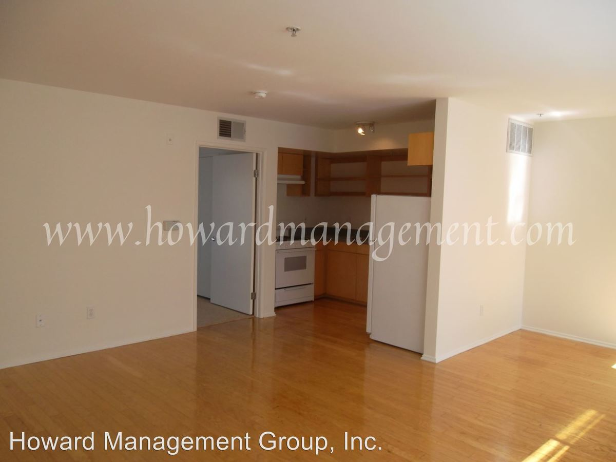 1 Bedroom 1 Bathroom Apartment for rent at 1011 Pico Blvd in Santa Monica, CA