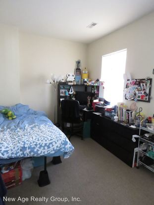 3 Bedrooms 1 Bathroom Apartment for rent at 442 N. 32nd Street in Philadelphia, PA