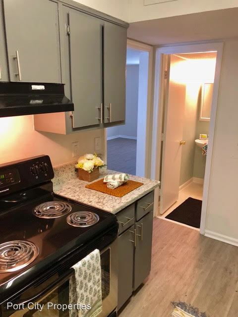 3 Bedrooms 1 Bathroom Apartment for rent at 49 Pitt Street in Charleston, SC