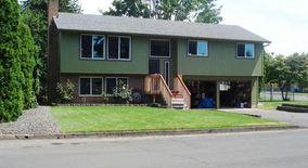 Similar Apartment at 8303 Ne 28th Ct