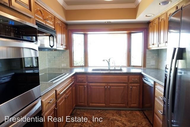 5 Bedrooms 3 Bathrooms Apartment for rent at 21206 Sarahills Drive in Saratoga, CA