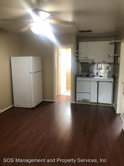 2 Bedrooms 1 Bathroom Apartment for rent at 1121-1129 Torrey Pines Rd in La Jolla, CA