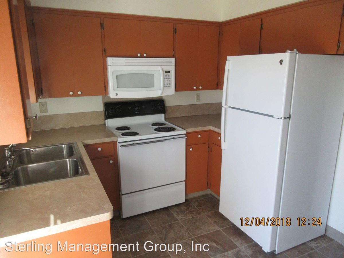 2 Bedrooms 1 Bathroom Apartment for rent at 1371 & 1373 27th Ave Se in Albany, OR