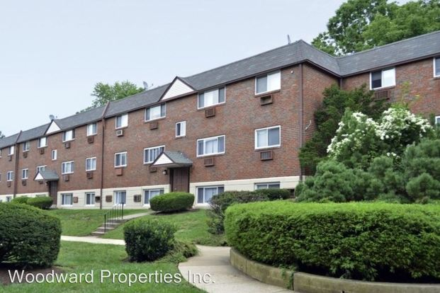 2 Bedrooms 1 Bathroom Apartment for rent at 8723 West Chester Pike in Upper Darby, PA