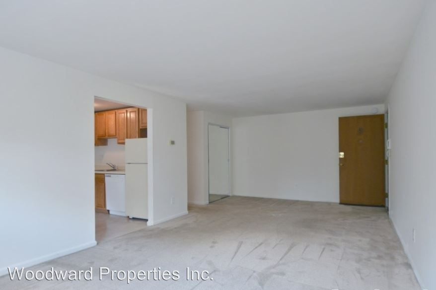 2 Bedrooms 1 Bathroom Apartment for rent at 146 S Lansdowne Ave in Lansdowne, PA