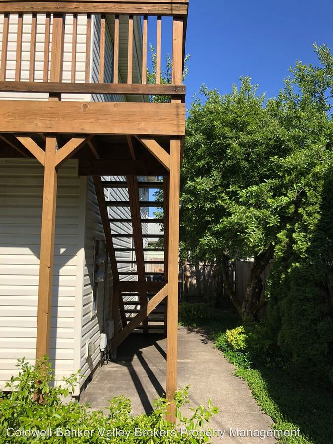 3 Bedrooms 2 Bathrooms Apartment for rent at 634 Nw 21st Street in Corvallis, OR