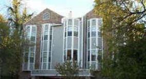 Similar Apartment at 915 W. 23rd,