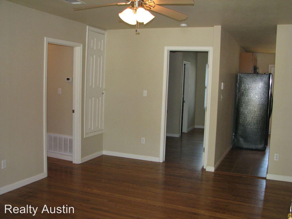 3 Bedrooms 2 Bathrooms Apartment for rent at 4805 Evans Avenue in Austin, TX