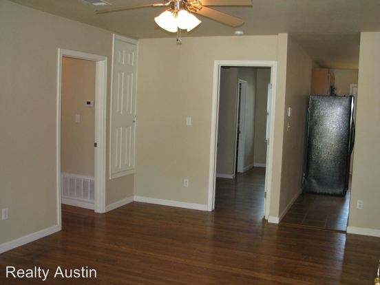 3 Bedrooms 2 Bathrooms Apartment for rent at 4805 Evans Avenue in Austin, TX