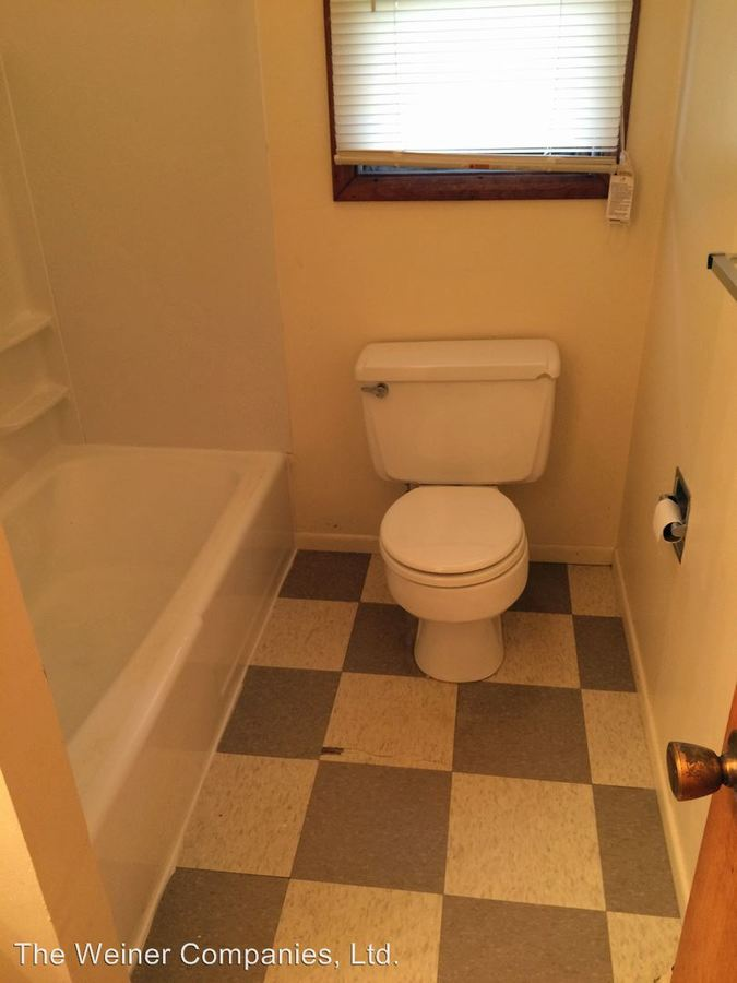 2 Bedrooms 1 Bathroom Apartment for rent at 2003 E. Perkins in Urbana, IL
